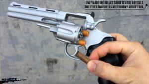 如何用纸板制作一把仿真左轮手枪 (12)