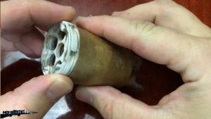 如何用纸板制作一把仿真左轮手枪 (3)