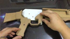 如何用纸板制作一把连发橡皮筋的纸板玩具枪wgog943 (10)
