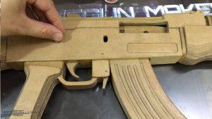 如何用纸板制作一把连发橡皮筋的纸板玩具枪wgog943 (5)