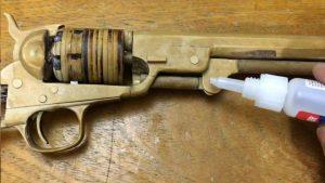 用纸板制作玩具左轮手枪 (1)